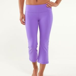 NWT Lululemon Gather & Crow Crop, 4